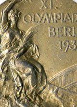 Jesse Owens' Gold Medals from 1936 Berlin Olympics Reached $1.5 Million at Auction