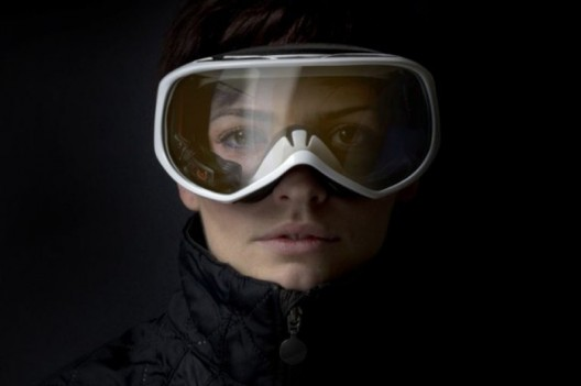 Head-Up Display Brings Ski Goggles Into the Future