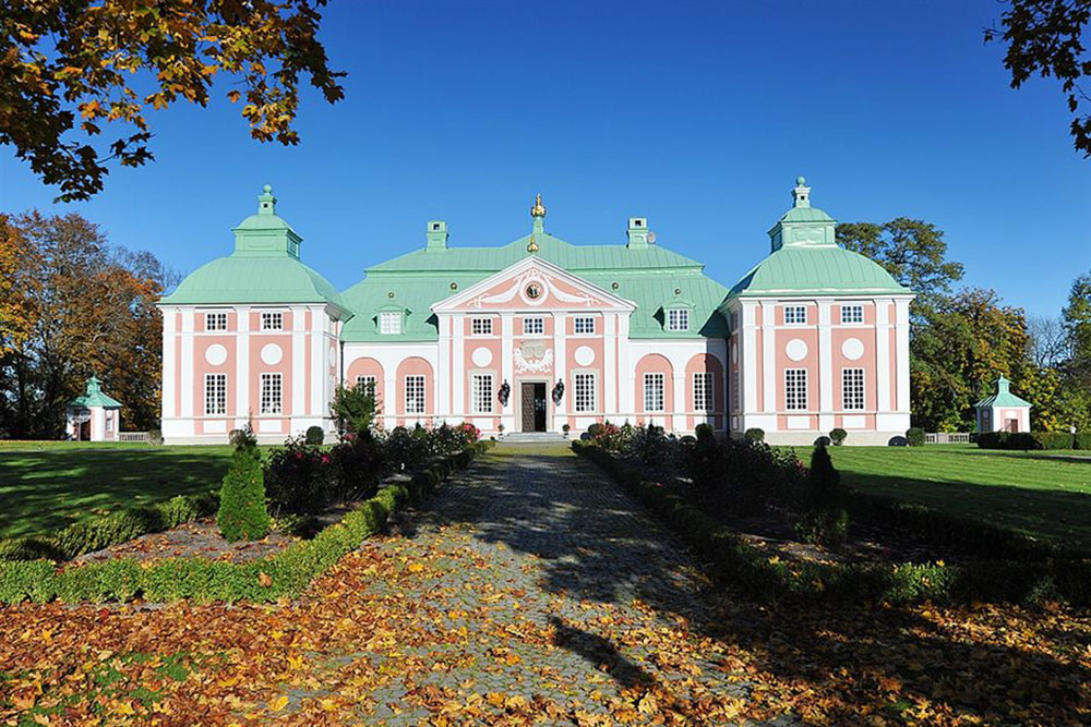 Late 17th century castle in sweden on sale for 6 million for Castle mansions for sale