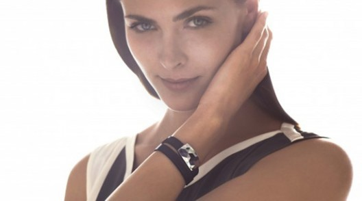 Sensorized bracelet tracks your sun exposure