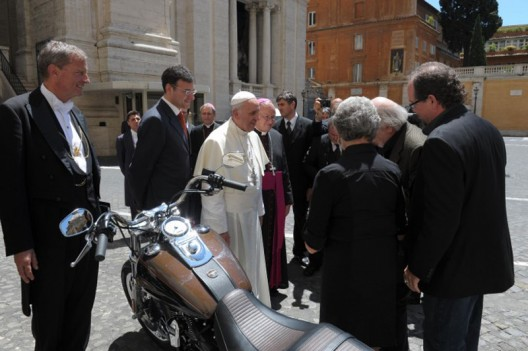 Harley Davidson Dyna Super Glide gifted to Pope Francis to be auctioned
