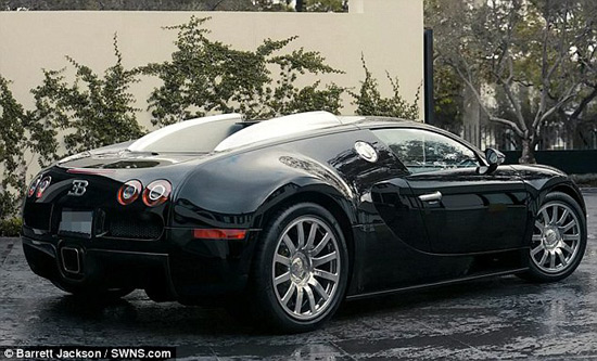 simon cowell sells his bugatti veyron on auction extravaganzi. Black Bedroom Furniture Sets. Home Design Ideas