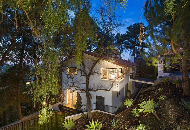 'Captain America' Star Chris Evans Lists $1.45 Million Hollywood Hills Home
