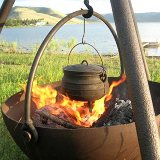 The Ranch Boss Cowboy Cauldron Is Your Next BBQ's Centerpiece