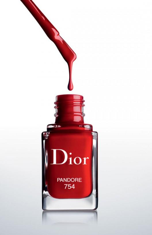 The revolutionary Dior Vernis Couture Effet Gel