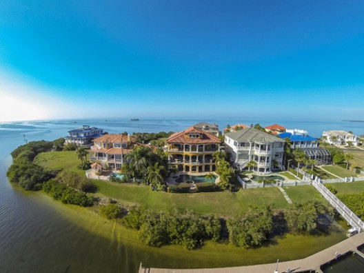 Grand Estates Auction Company announced the sale of this Tampa-area waterfront residence