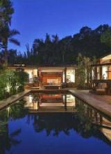 Gwyneth Paltrow and Chris Martin Splashed Out $14 million on Beachside Malibu Mansion