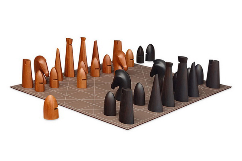 Luxury brand Hermes has presented a unique Samarcande giant chess set