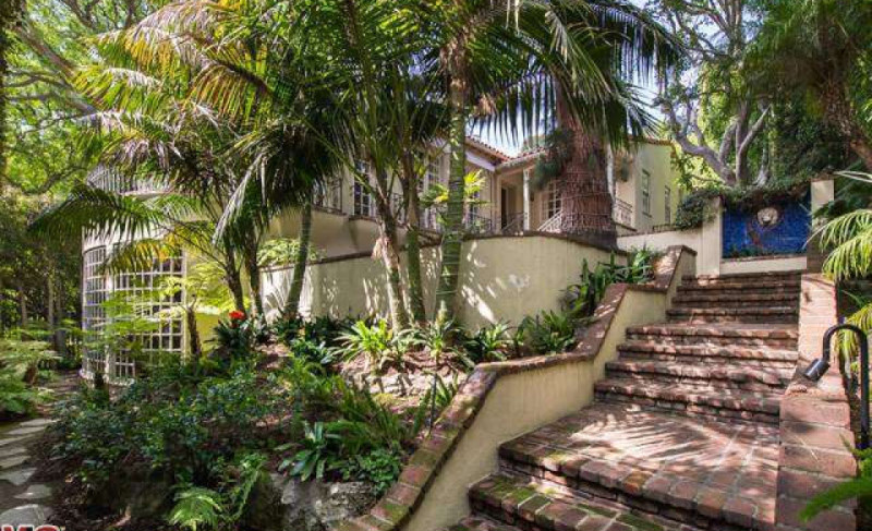 See inside: Jodie Foster puts her Hollywood Hills home on the market
