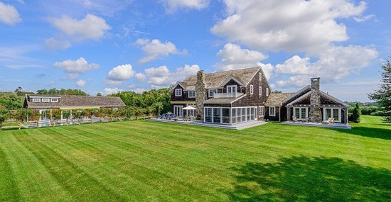 'Real Housewife' LuAnn de Lesseps cuts price for Hamptons farmhouse