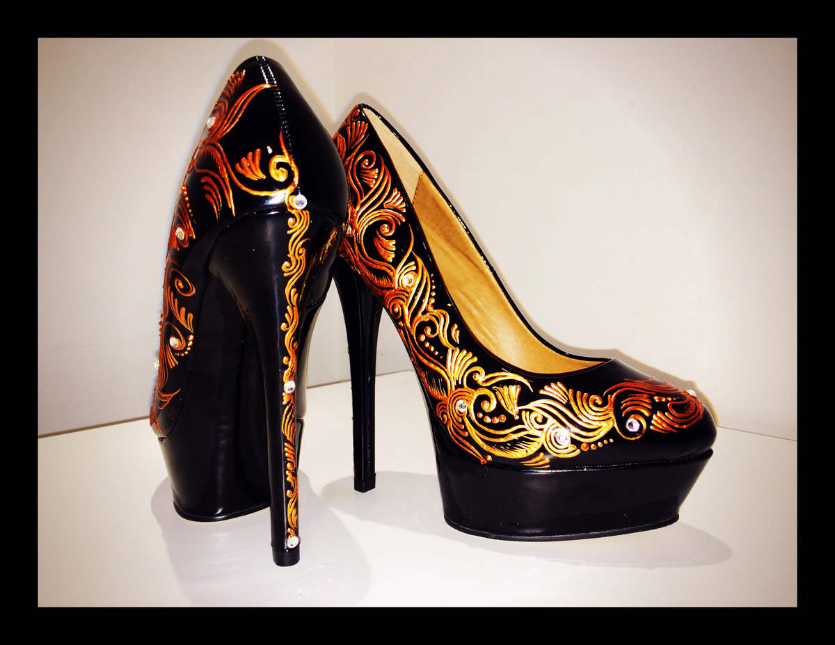 New beautiful stunning Shoes hand painted and designed by Pavan Ahluwalia