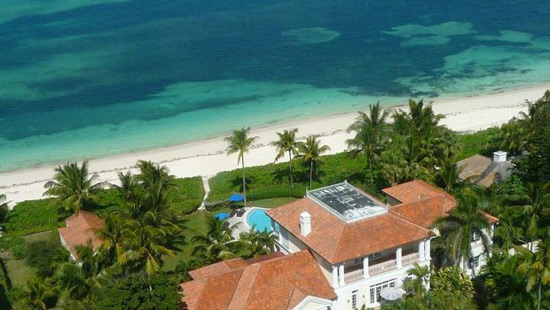 Sumptuous Villa in Cable Beach, Bahamas on Sale