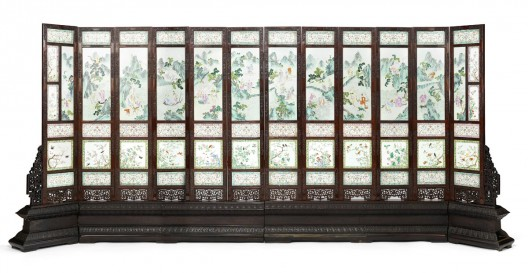 Beautiful 19th-century Chinese screen made to show off the Jaiqing Emperor's power set to sell for $2 Million