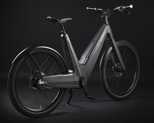 The Leaos 2.0 Electric Bike is inspired by the iconic Vespa scooter