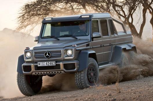 Mercedes Benz G63 AMG 6x6 In New Jurassic Park Movie