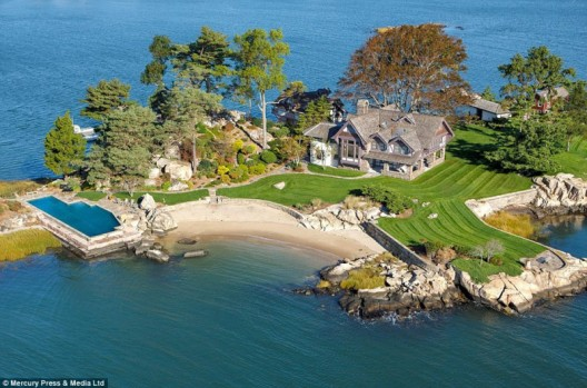 A Private Luxury Island With Its Own Cannon Is Up For $11 Million