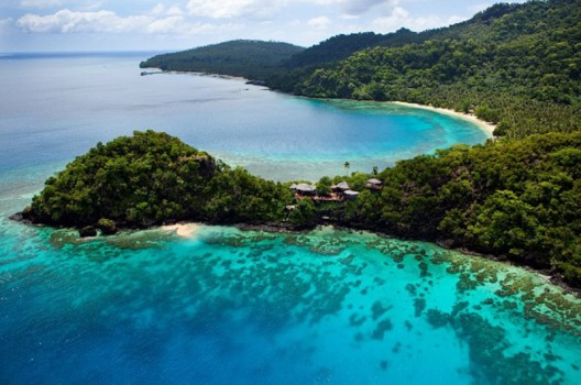 The picturesque and 5 star Laucala island resort in Fiji offers 'Underwater plane' voyages to its guests