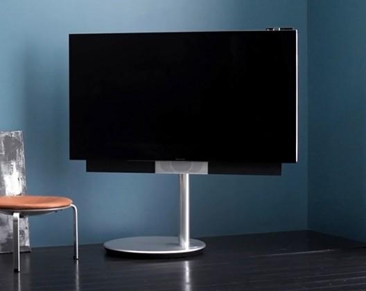 Bang & Olufsen BeoVision Avant 4K TV follows you for optimum viewing