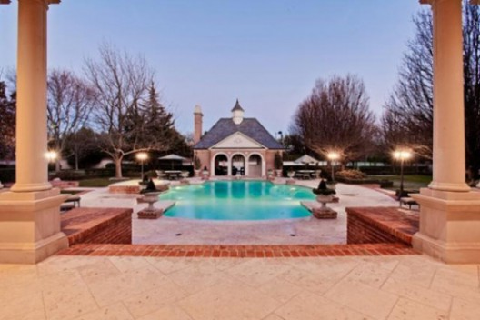 "Lavish Mansion Used in Hit Series ""Dallas"" on Sale for $3,75 Million"