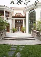 Hong Kong's Champagne House Can Be Yours for $38,7 Million
