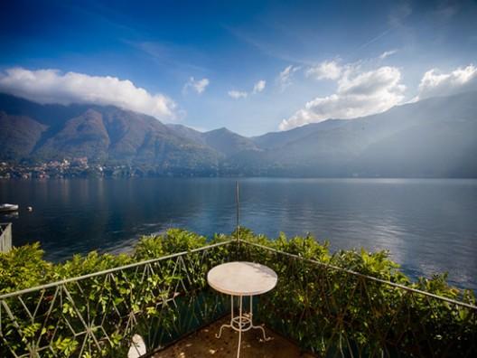 Luxury Villa Overlooking Lake Como on Sale
