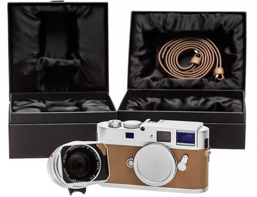 Leica M Monochrom Silver Anniversary Edition