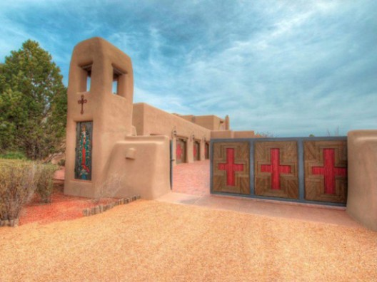 Country singer Randy Travis lists Santa Fe ranch for $14.7 million