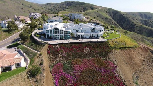 One of the Most Iconic and Famous Homes in the City of Yorba Linda on Sale for $20,7 Million