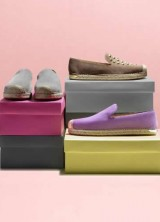 "Customize Your Favorite Espadrile With Stuart Weitzman's ""Be Suede"" Program"