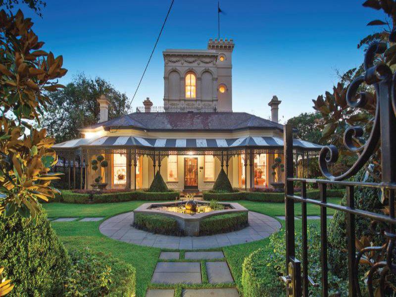 Magnificent Tara Estate Goes Under the Hammer