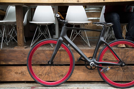 The Hi-Tech Vanhawks Valour Aims to Brings Cycling into the 21st Century