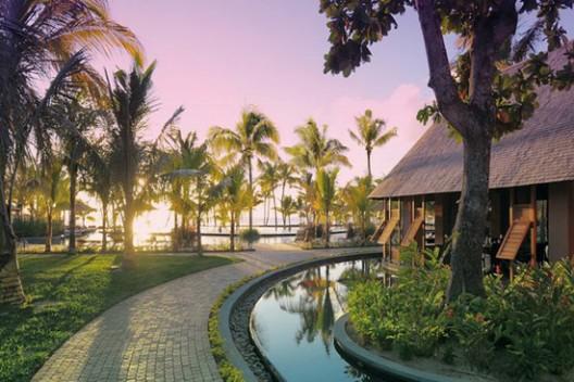 Tropical Beachcomber Resort In Mauritius