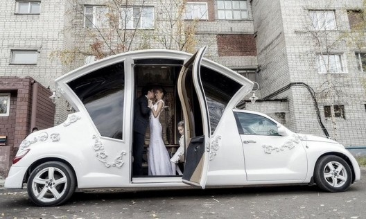 Chrysler PT Cruiser Limousine For Weddings In Russia