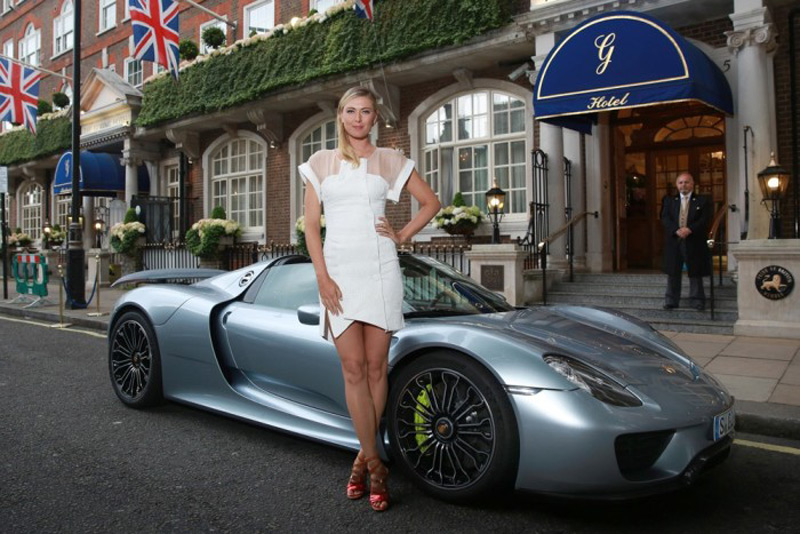Maria Sharapova Paraded In $1,2 Million Porsche at Wimbledon Party