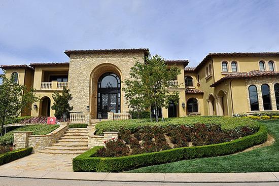 Michael Jackson S Estate Buys 10 75 Million Calabasas