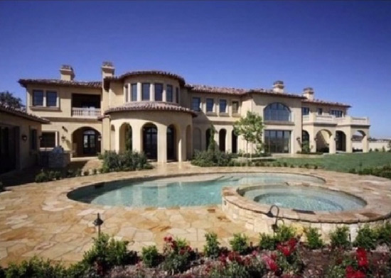 Michael Jackson's Estate Buys $10.75 Million Calabasas Residence