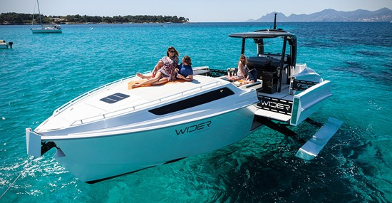 Wider 42 Yacht – Just Push the Button and Expand It