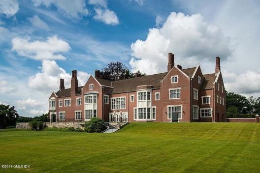 Extraordinary Round Hill Estate