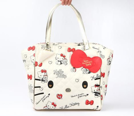 Hello Kitty 40th Anniversary Tote Bag: Hug