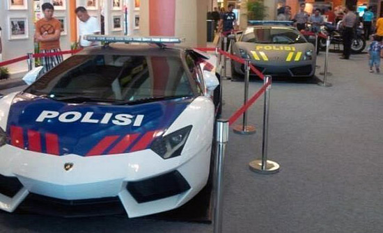 Law enforcement in Indonesia also received this precious car, and with Aventador they also get Lamborghini Gallardo