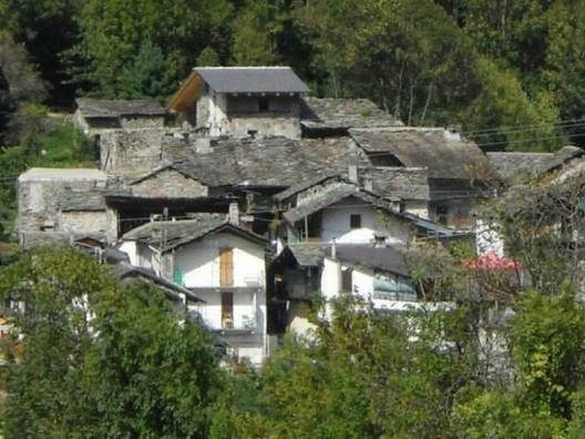 "Picturesque ""Used"" Italian Village Calsazio For Sale On eBay For Just $330,000"