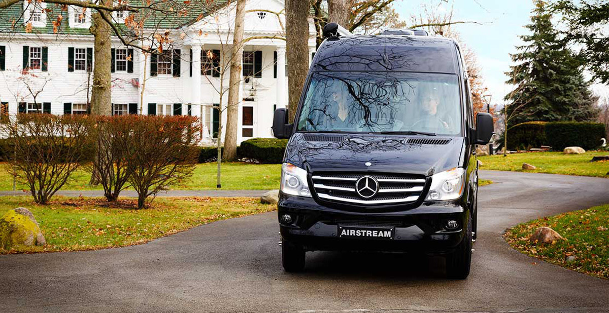 Airstream 39 s new interstate grand tour extravaganzi for Mercedes benz touring coach