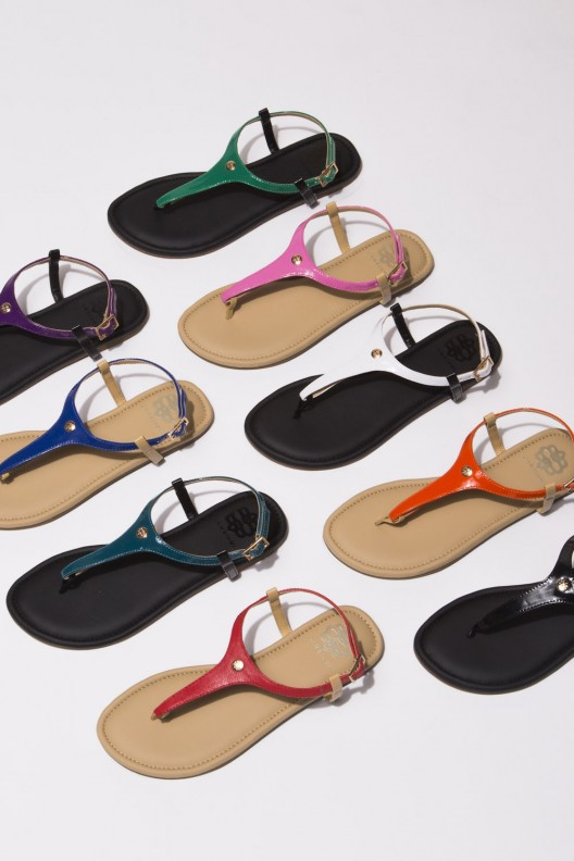 Customize Your Shoes With Cambiami Sandals