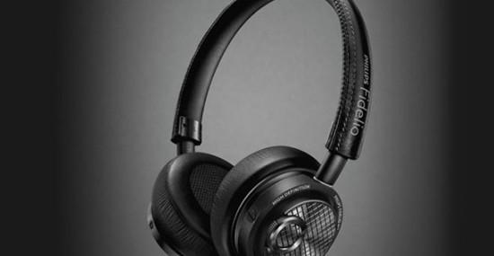 Philips' Fidelio M2L Headset with Apple's Lightning Port