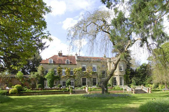 George Clooney And Amal Alamuddin Picked Up English Manor on a Private British Island
