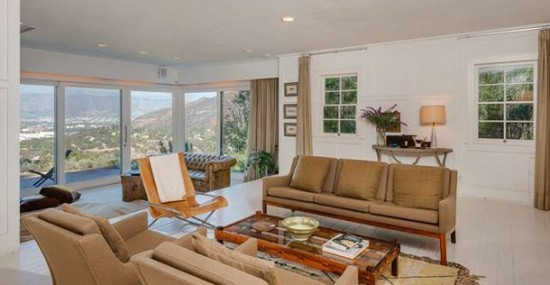 Jake Gyllenhaal Selling His Hollywood Hills Mansion for $3,5 Million