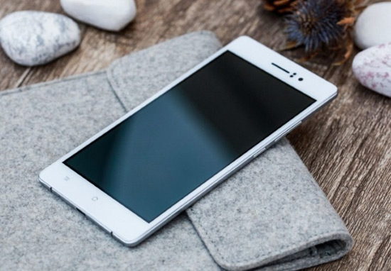 World's Thinnest Smartphone - 4.85 Millimeters Oppo R5