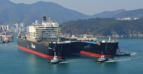 "The largest ship in the world, dubbed ""Peter Sheltem"", sailed from South Korean shipyards ""Daewoo"""