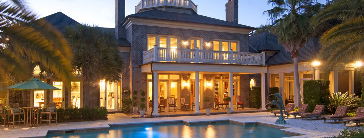 Villa Palmetto Tucked Away by the Water on Wadmalaw Island at Auction