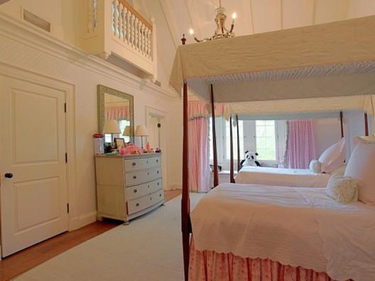 Bayou Breeze - Exceptional River Oaks Estate on Sale